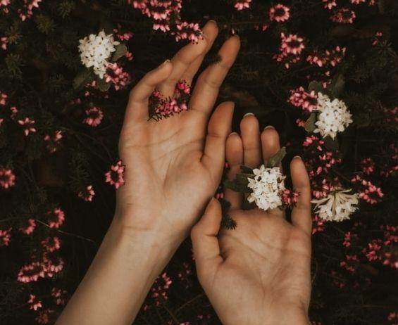 Käsihoidot tekevät käsistä ihanan pehmeät.