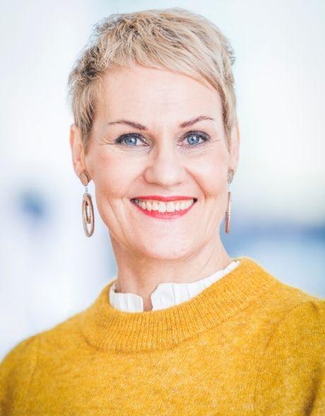 Kaija Paavola - Sf-clinikenin Henkilöstöasiantuntija, Esihenkilö, coach- työnohjaaja, Estenomi, Ammatillinen opettaja.